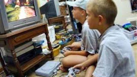 Videogame? Meglio una partita con gli amici.
