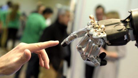 I robot sostituiranno gli uomini ? Impossibile !