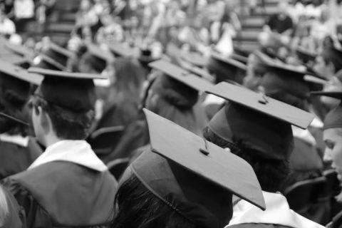 Ai giovani quanto conviene studiare?