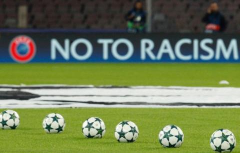 La malattia dei nostri stadi: il calcio e il razzismo