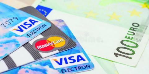 """"""" Carte di credito o contanti ? """""""