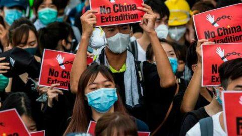 CONTINUE PROTESTE A HONG KONG; TROPPO MALUMORE NELLA CITTÀ-STATO