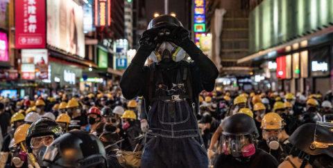 HONG KONG CONTRO LA CINA: AL VIA LA LOTTA PER LA LIBERTÁ