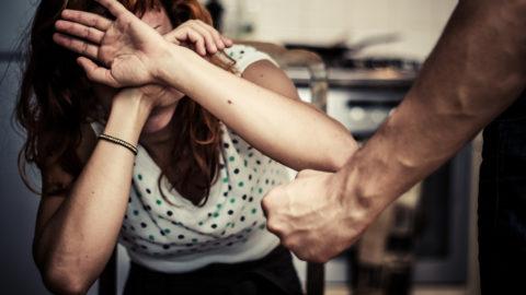 VIOLENZA SULLE DONNE: I DATI AUMENTANO