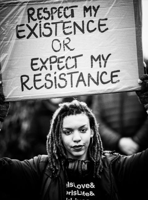 RESPECT MY EXISTENCE: IL RISPETTO DOVUTO ALLE DONNE